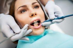 Väliaikaisen hampaan tekeminen itse? En kuitenkaan ole hammaslääkäri!